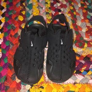 Nike Toddler Boys Sz 9 black